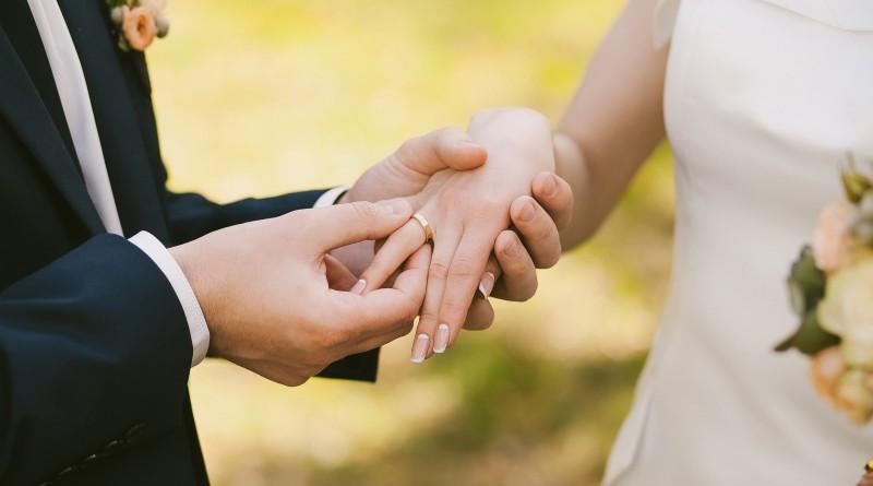 Casamento com alianças da Dijior.